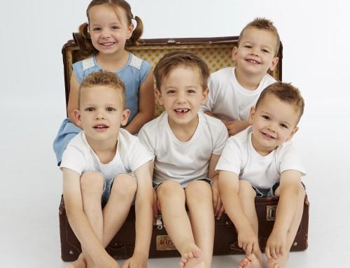 kinderen in de koffer